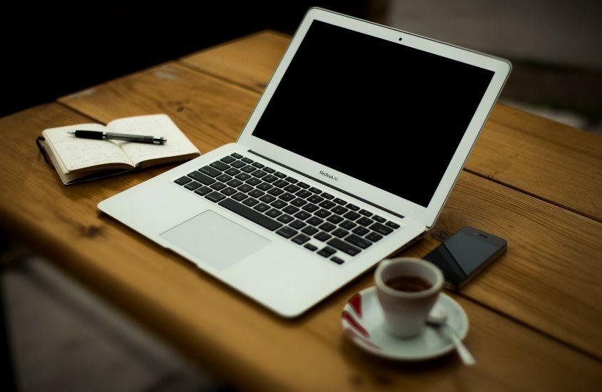 Jak zostać copywriterem? Od czego zacząć przygodę z tym zawodem?
